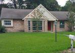 Foreclosed Home en EL SALVADOR DR, Houston, TX - 77066