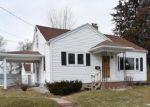 Foreclosed Home en PUNHOQUA ST, Oshkosh, WI - 54902