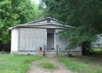 Foreclosed Home en OAK ST, Malvern, AR - 72104