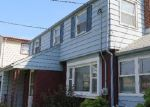Foreclosed Home en SANDFORD ST, New Brunswick, NJ - 08901