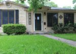 Foreclosed Home en E PARK AVE, Victoria, TX - 77901