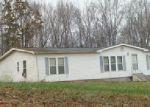 Foreclosed Home en SAM VINEYARD RD, Bon Aqua, TN - 37025