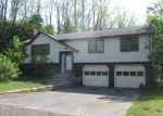 Foreclosed Home en DIAMOND DR, Enfield, CT - 06082