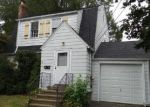 Foreclosed Home en HARVARD AVE, Stratford, CT - 06614