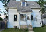 Foreclosed Home en DALE AVE, Cranston, RI - 02910