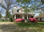 Foreclosed Home en W MCELROY ST, Morganfield, KY - 42437