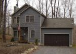 Foreclosed Home en WILDFLOWER CIR, Gouldsboro, PA - 18424