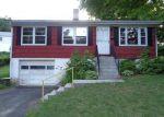 Foreclosed Home en CROSS ST, Danbury, CT - 06810