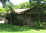 Foreclosed Home en LATHAN LN, Taylor, TX - 76574