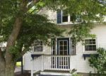 Foreclosed Home en PENDER AVE, Warwick, RI - 02889