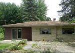 Foreclosed Home en N 300 E, Leesburg, IN - 46538