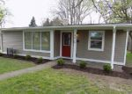 Foreclosed Home en MIDVALE DR, Indianapolis, IN - 46222