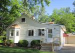 Foreclosed Home en RIVER VISTA ST, Utica, MI - 48317