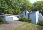 Foreclosed Home en HOG HILL RD, East Hampton, CT - 06424