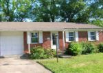 Foreclosed Home en BERKLEY DR, Florence, KY - 41042