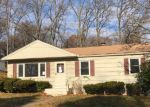 Foreclosed Home en MUELLER DR, Hamden, CT - 06514