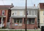 Foreclosed Home en S EAST ST, Spring Grove, PA - 17362