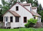Foreclosed Home en SHAKER MT RD, Huntington, VT - 05462