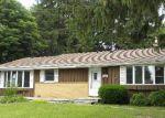 Foreclosed Home en EVERGREEN DR, Hartford, WI - 53027