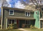 Foreclosed Home en BRISTOL WOODS DR, Bristol, RI - 02809