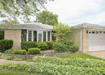 Foreclosed Home en PRATT AVE, Des Plaines, IL - 60018