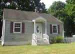Foreclosed Home en JOHN ST, Enfield, CT - 06082