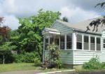 Foreclosed Home en GIBSON RD, Milford, CT - 06461