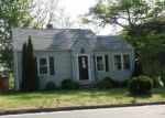 Foreclosed Home en ROUND HILL RD, Bristol, CT - 06010