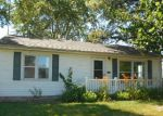 Foreclosed Home en COLLINS ST, Carlyle, IL - 62231