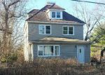 Foreclosed Home en S MAIN ST, Toms River, NJ - 08757