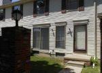 Foreclosed Home en GOLFVIEW DR E, Clinton Township, MI - 48038