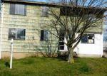 Foreclosed Home en CLOVERDALE DR, East Hartford, CT - 06118