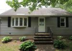 Foreclosed Home en PLAINS RD, Milford, CT - 06461