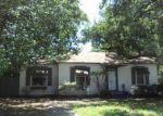 Foreclosed Home en GLENDA ST, Haltom City, TX - 76117