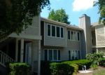 Foreclosed Home en AUGUSTA DR, Annandale, NJ - 08801