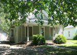 Foreclosed Home en E 3RD AVE, Winfield, KS - 67156