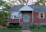 Foreclosed Home en OAKLEIGH RD, Parkville, MD - 21234