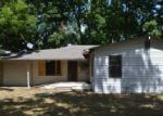 Foreclosed Home en THOMAS DR, Waco, TX - 76706