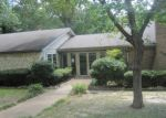 Foreclosed Home en N PARKDALE DR, Tyler, TX - 75702