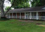Foreclosed Home en HOLLY DR, Highlands, TX - 77562