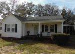 Foreclosed Home en N VANDERHORST ST, Winnsboro, SC - 29180