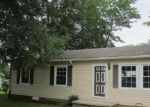 Foreclosed Home en HILLCREST AVE, Roxboro, NC - 27573