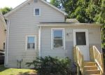 Foreclosed Home en W 9TH AVE, Oshkosh, WI - 54902