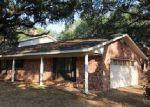 Foreclosed Home en PULLIAM DR, Pleasanton, TX - 78064