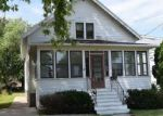 Foreclosed Home en W 4TH AVE, Oshkosh, WI - 54902