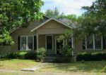 Foreclosed Home en SAINT MICHAEL ST, Gonzales, TX - 78629