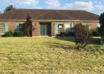 Foreclosed Home en RED BUD WAY, Taylorsville, KY - 40071