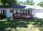 Foreclosed Home en W 80TH ST, Overland Park, KS - 66204