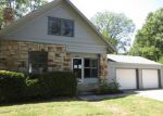 Foreclosed Home en CAENEN ST, Shawnee, KS - 66216