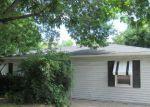 Foreclosed Home en ROCKFORD RD SW, Cedar Rapids, IA - 52404